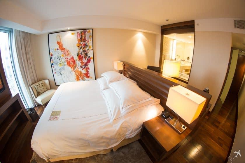 Jumeirah Hotel Frankfurt Deluxe Zimmer