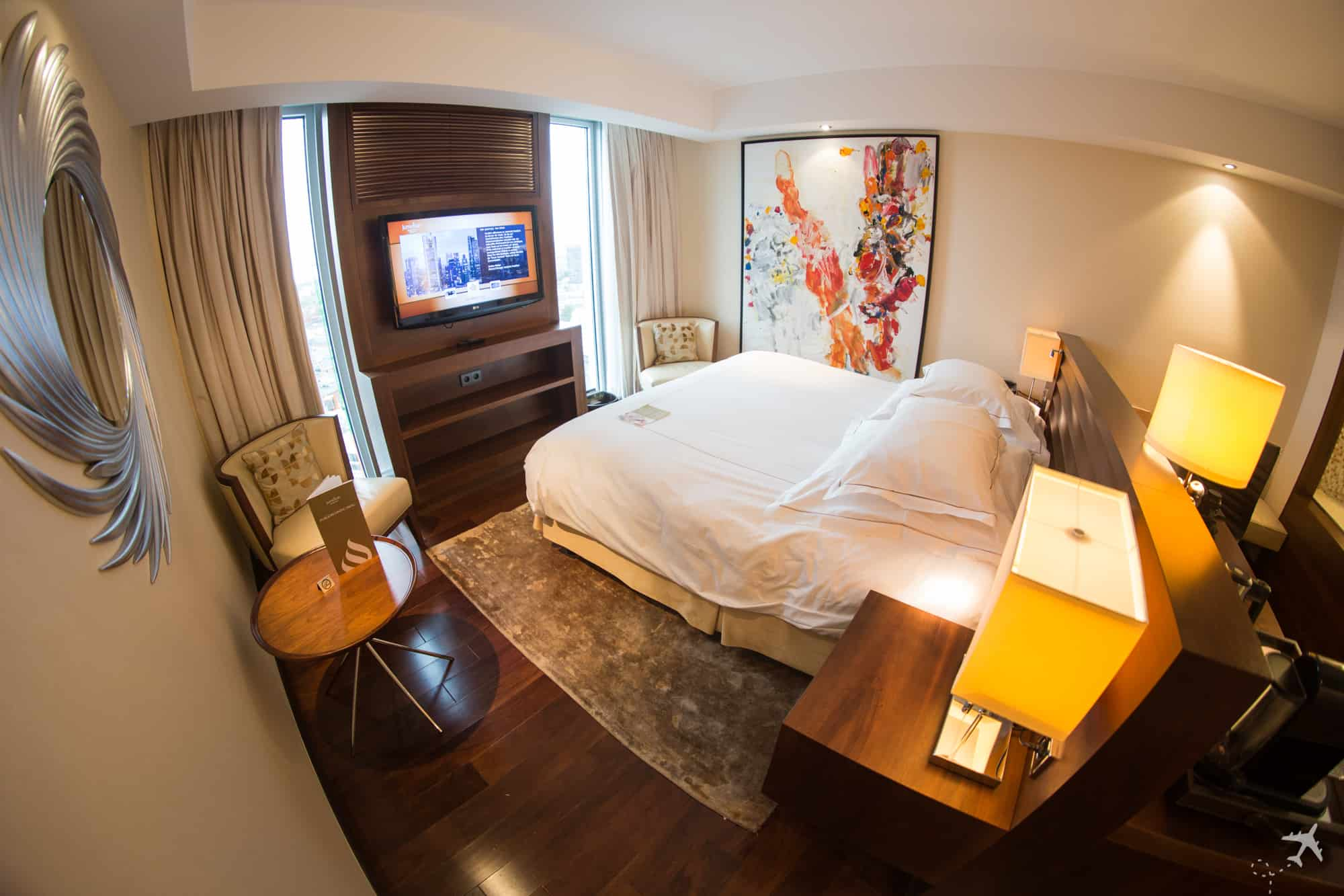 Jumeirah Hotel Frankfurt Deluxe Zimmer Schlafzimmer