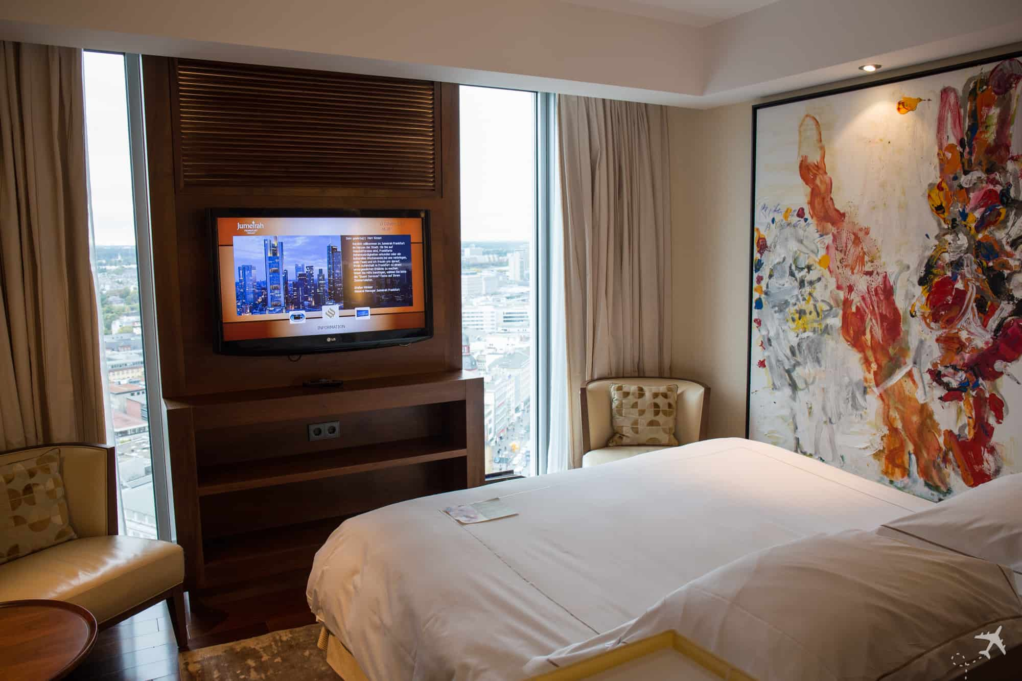 Jumeirah Hotel Frankfurt Schlafzimmer Ausblick