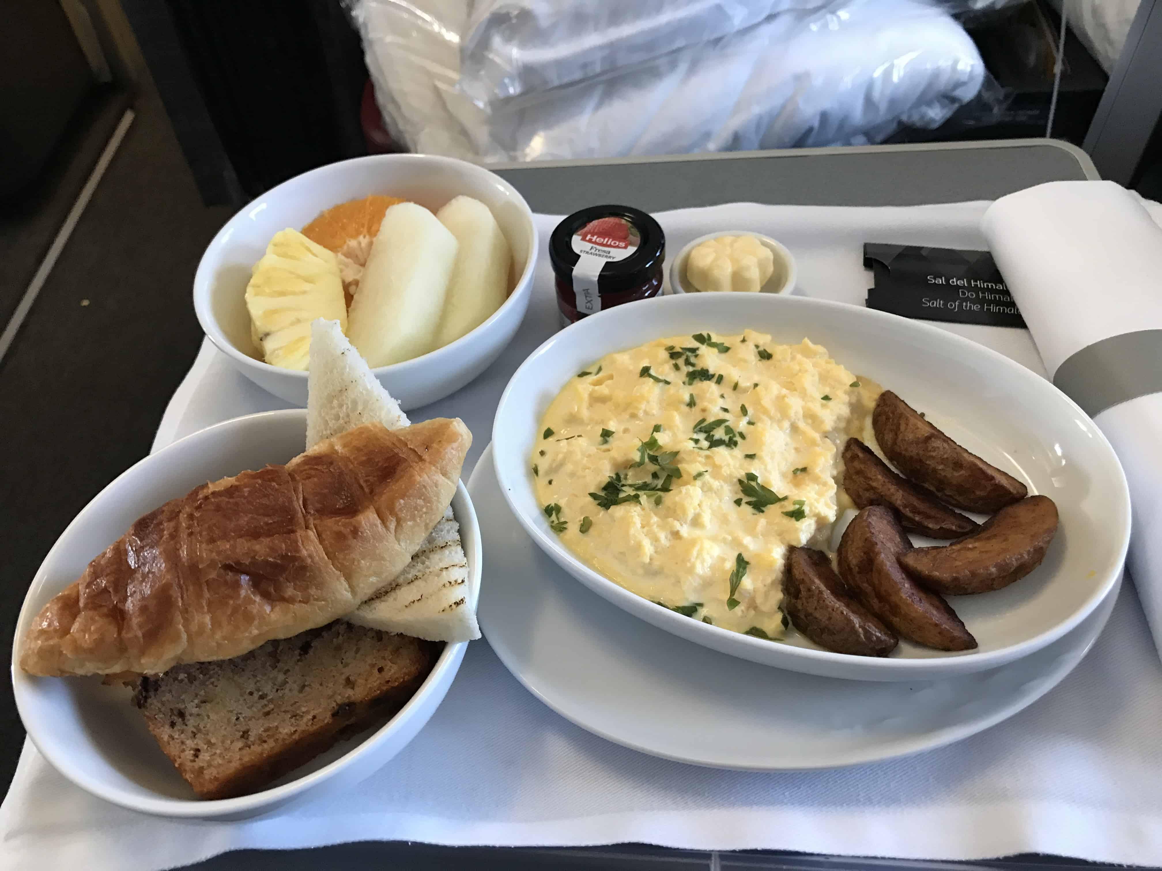 Das Frühstück in der LATAM Business Class.