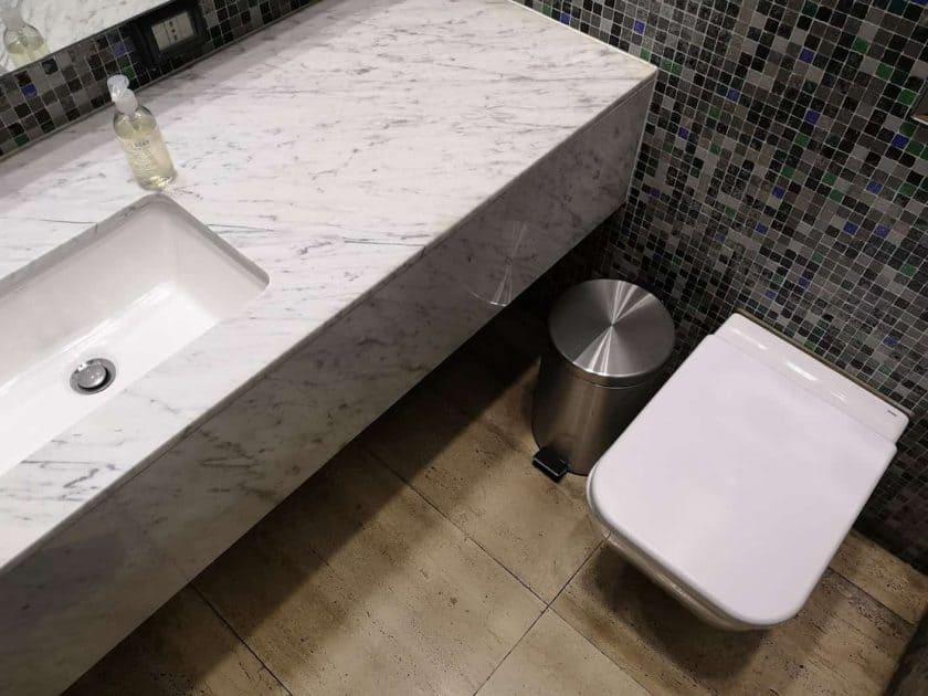 LATAM Lounge SCL Toiletten 1