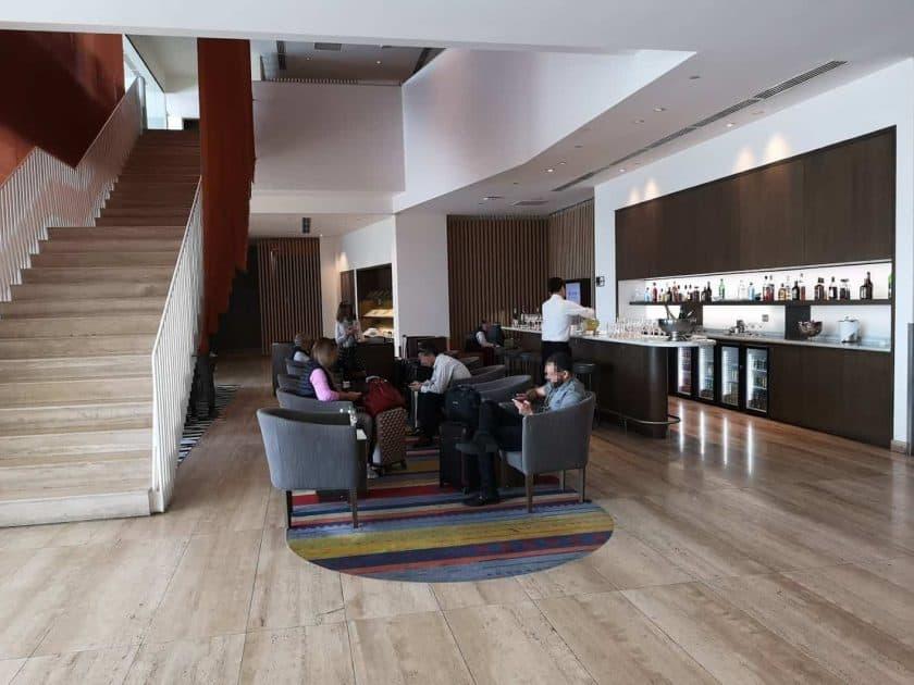 LATAM Lounge SCL Treppe