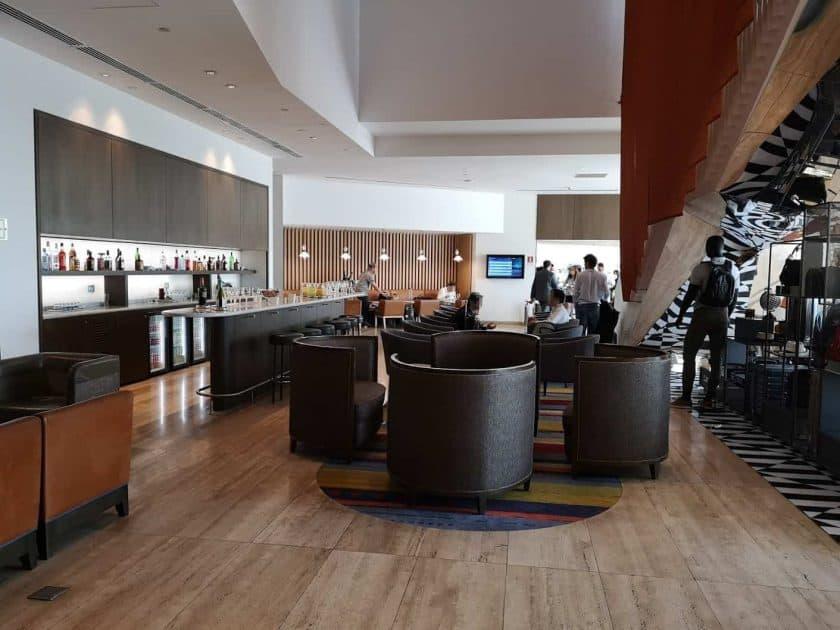 LATAM Lounge SCL unten