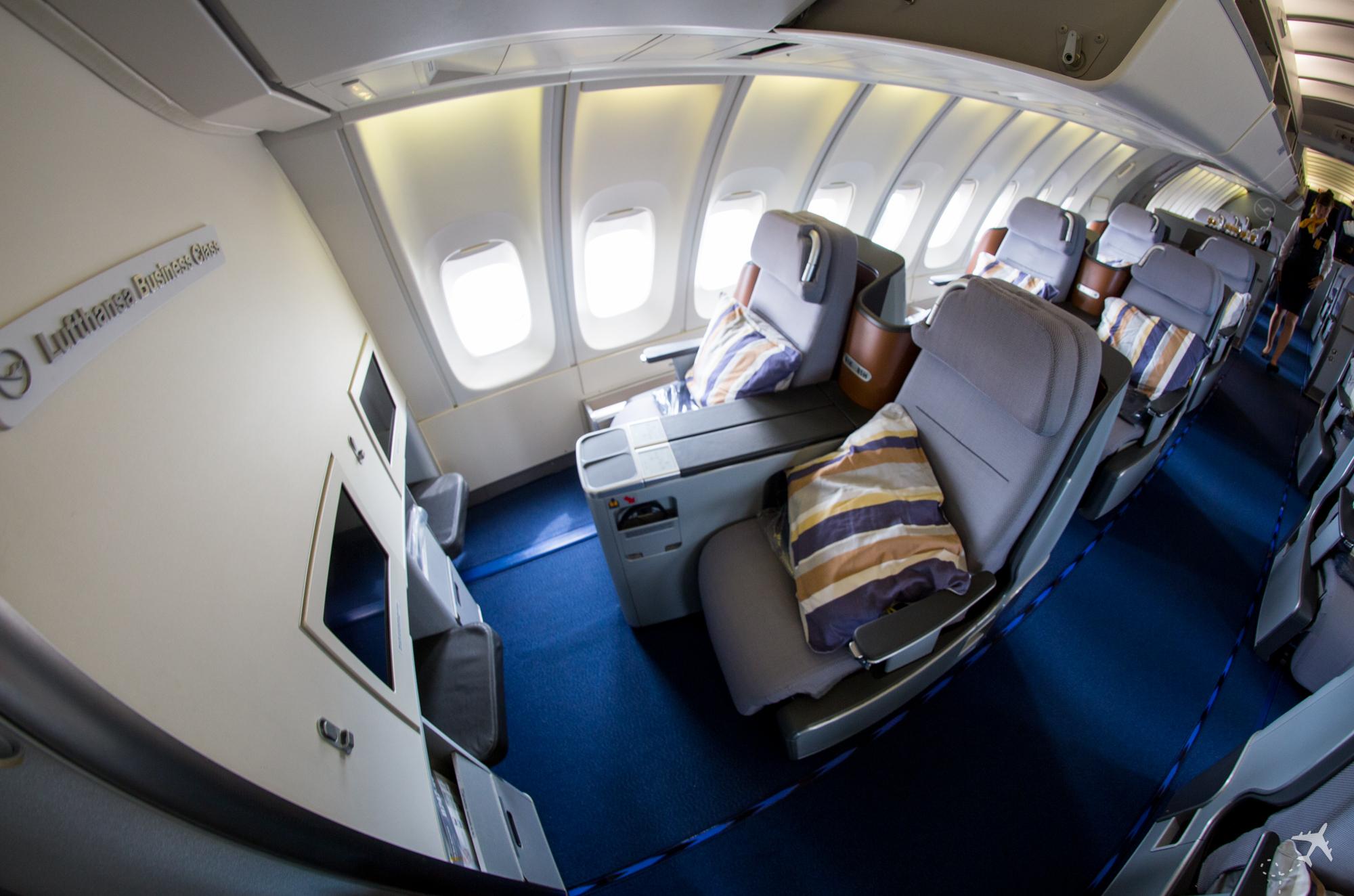 Lufthansa Business Class Boeing 747-400