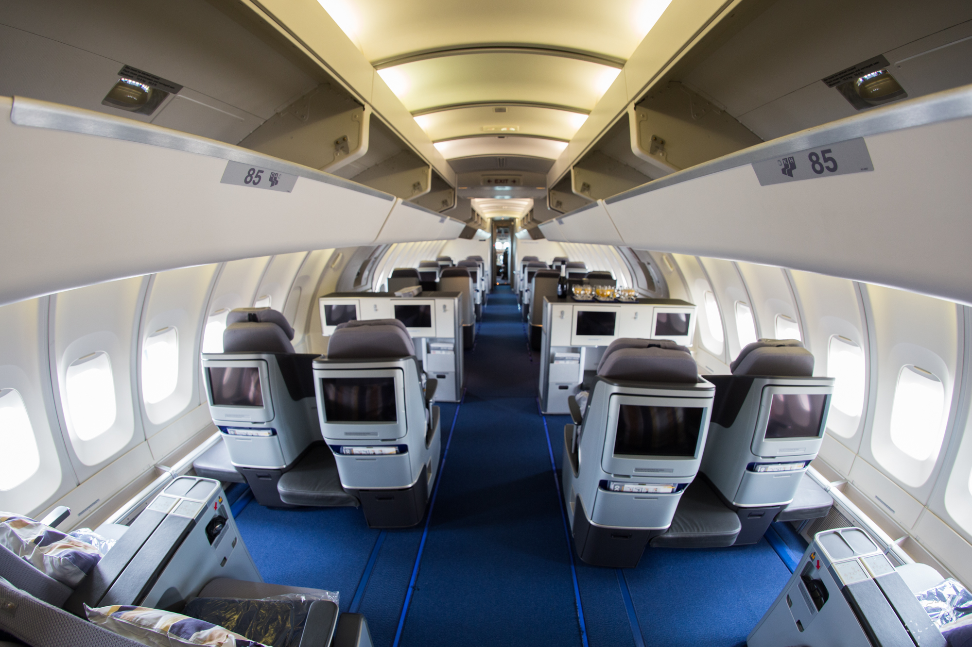 Lufthansa Business Class Kabine Boeing 747-400 Upper Deck