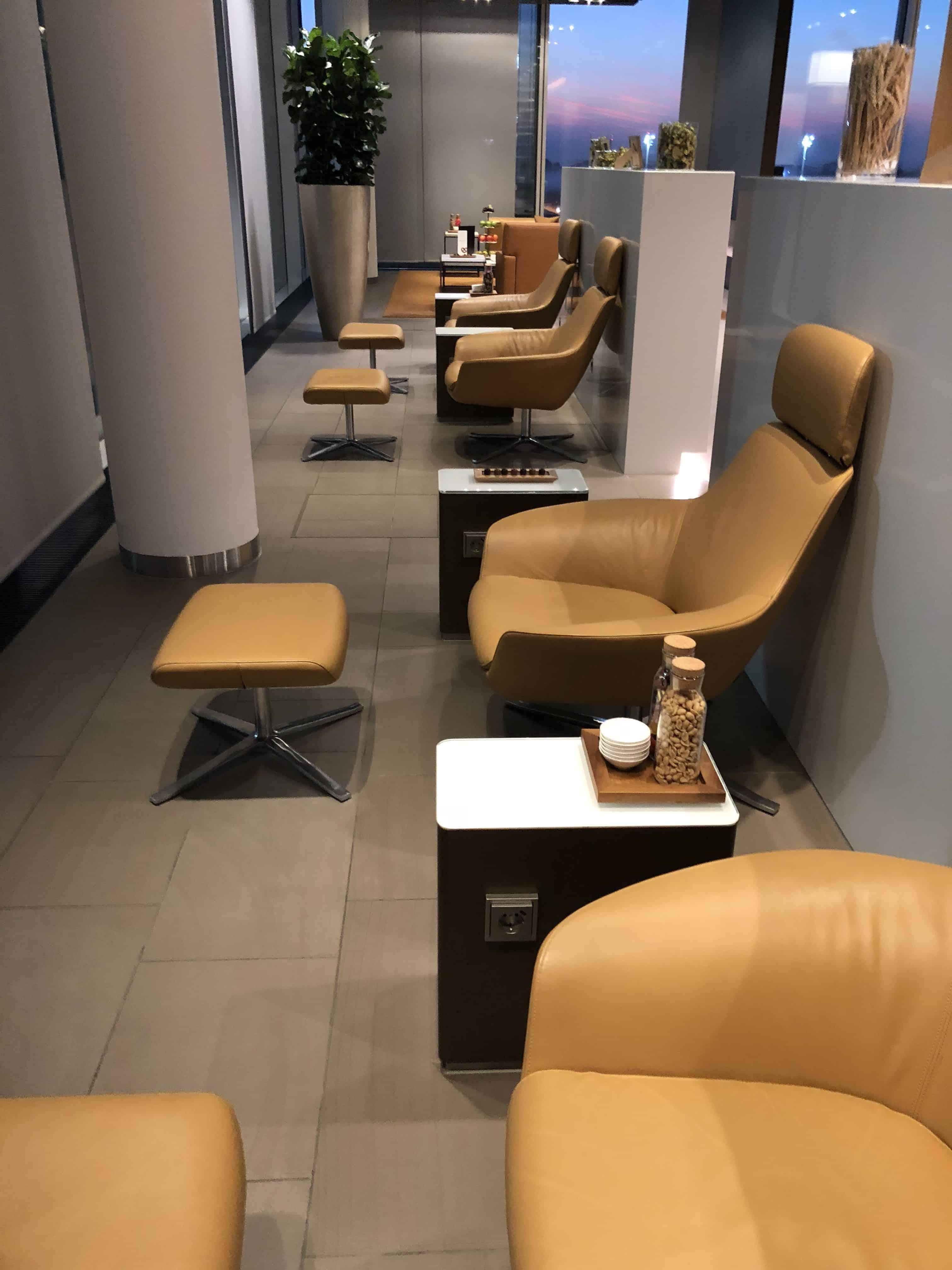Lufthansa First Lounge MUC Sitzgelegenheiten