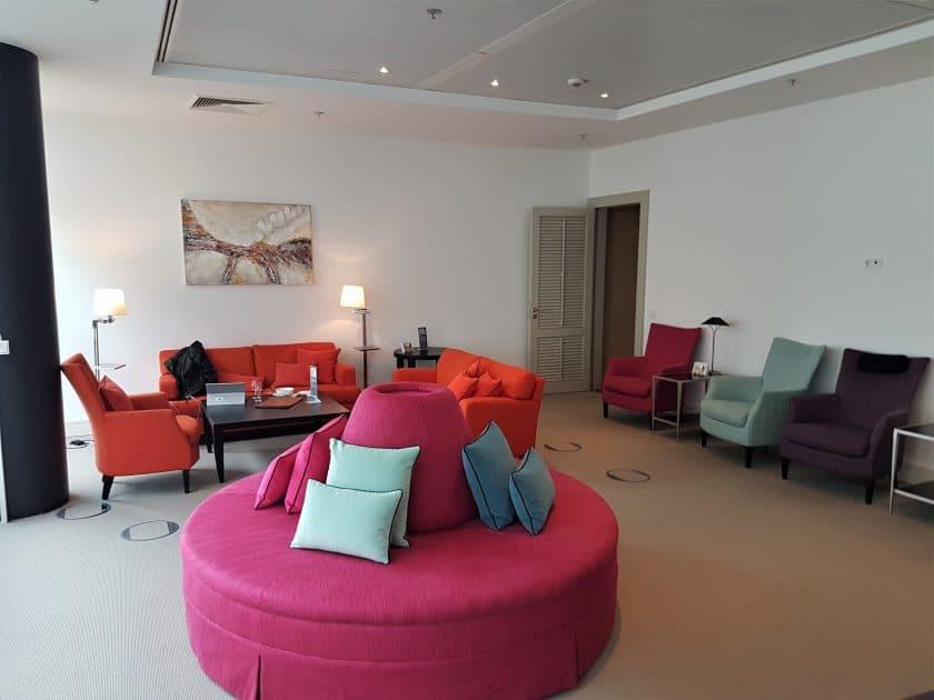 Lufthansa Panorama Lounge Sitzbereich