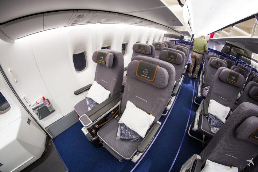 Lufthansa Premium Economy Class Sitze Notausgang Boeing 747-8i