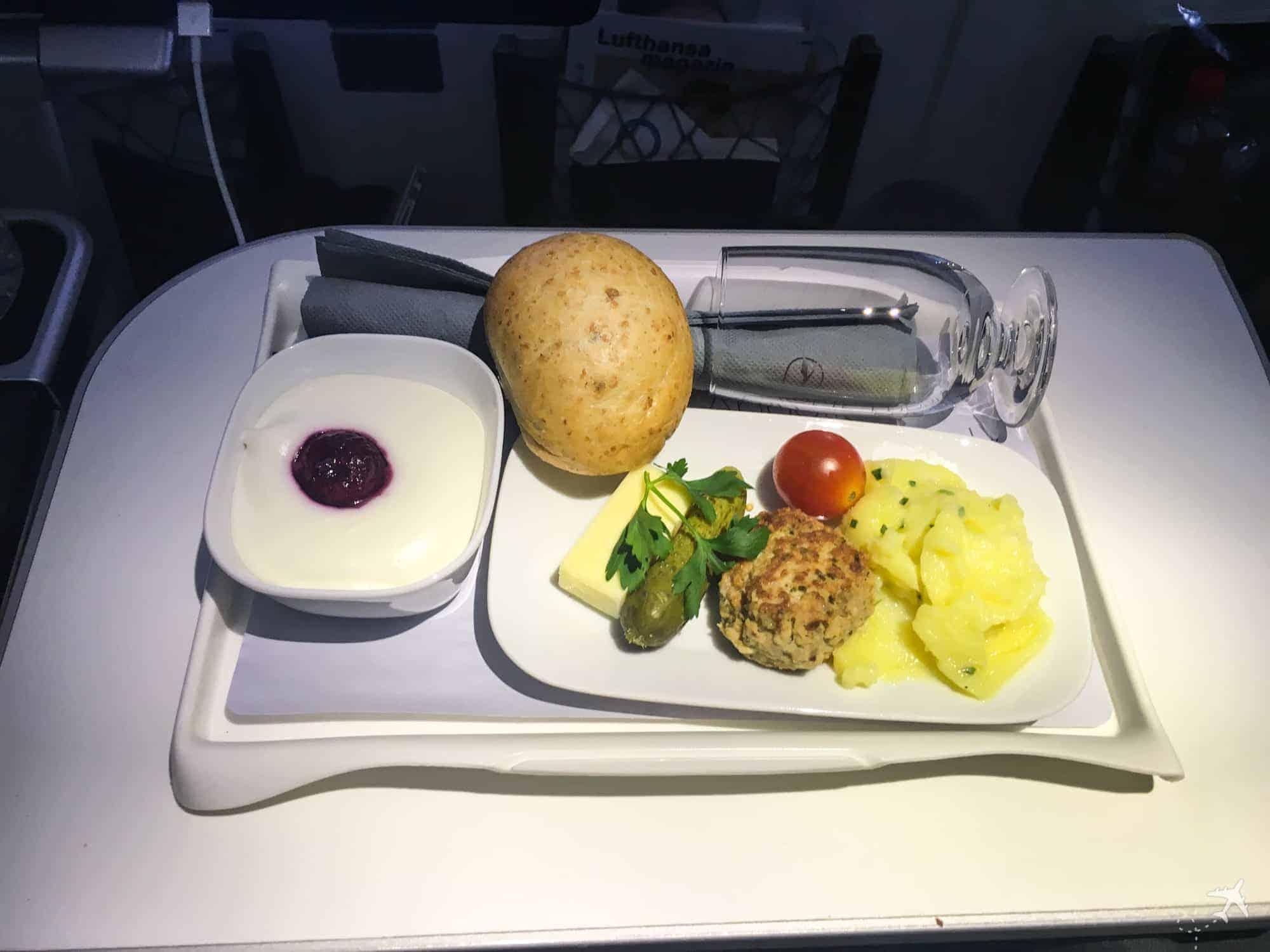 Lufthansa Premium Economy Class Snack
