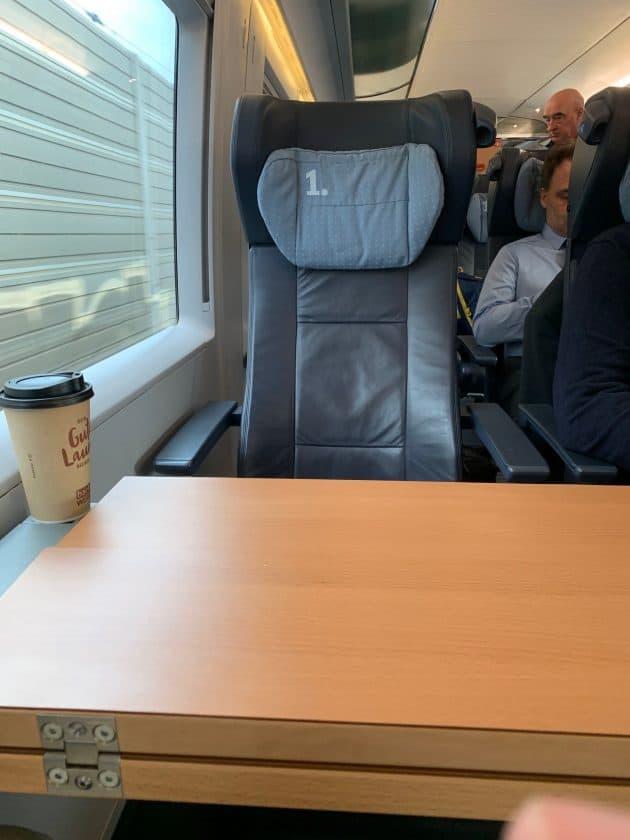 Lufthansa vs. ICE Zug Sitz