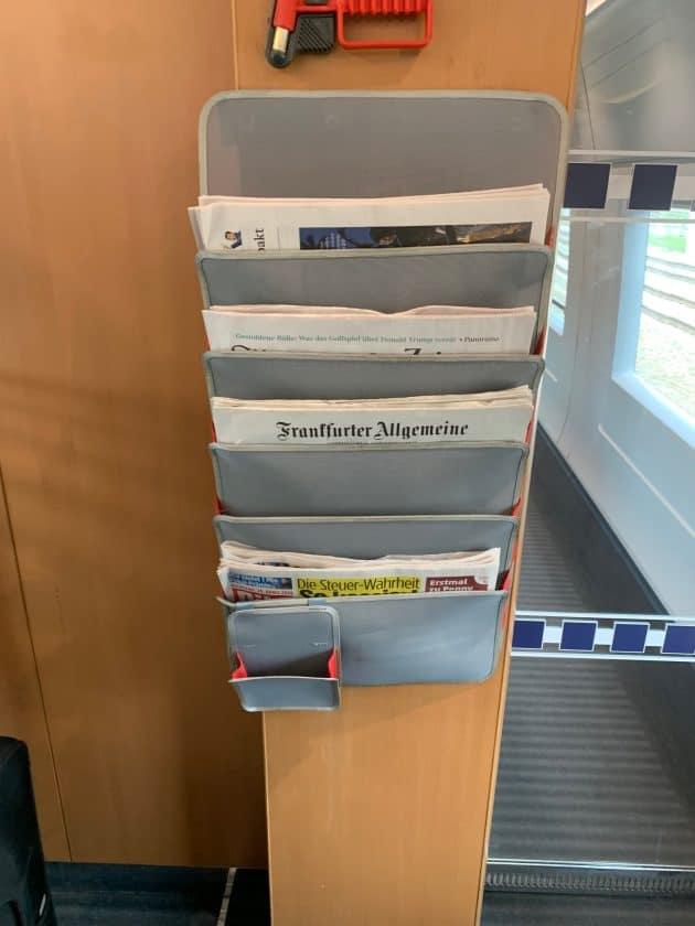Lufthansa vs. ICE Zug Zeitungen