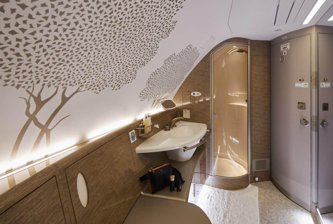 Neues Emirates Design Dusche an Bord