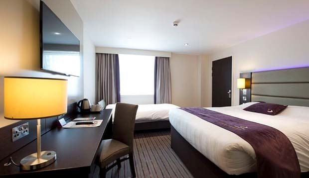 Premier Inn Leeds Whitehall Road
