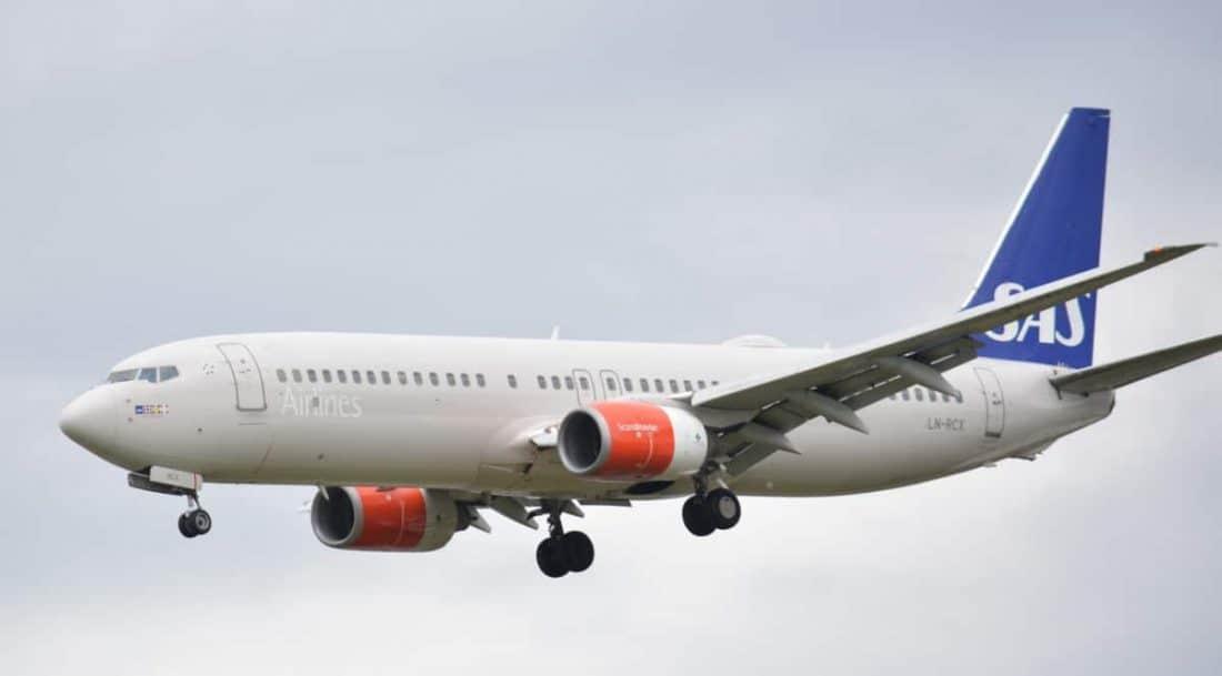 SAS Boeing 737 in LHR