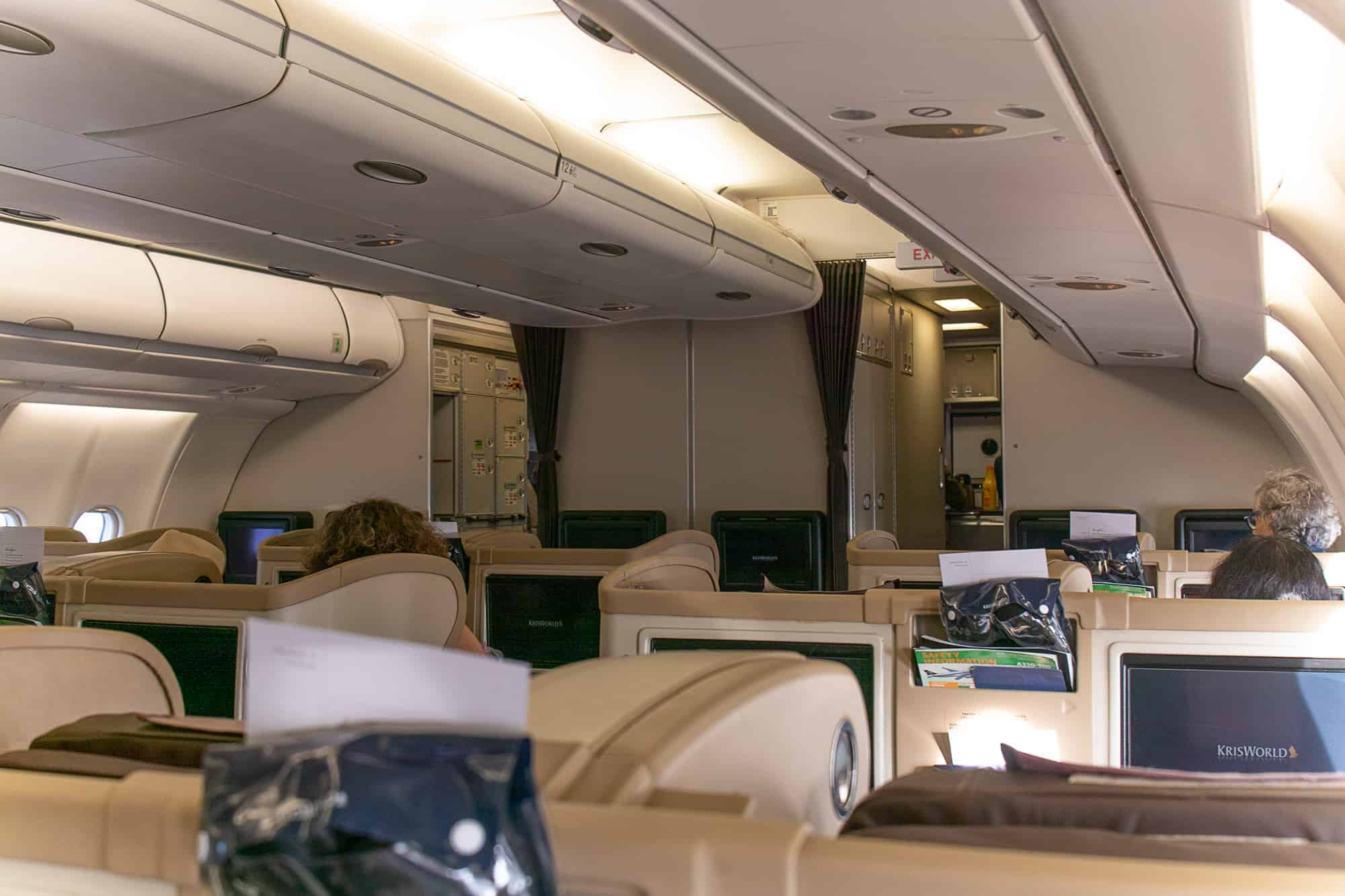 Review: Singapore Airlines Regional Business Class Boeing ...