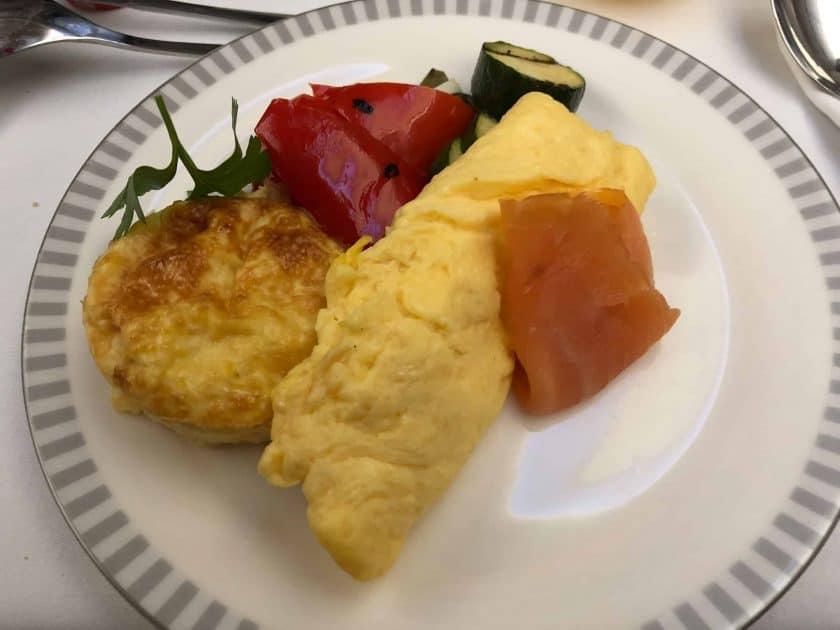 Singapore Airlines A350 Business Class Frühstück Rührei