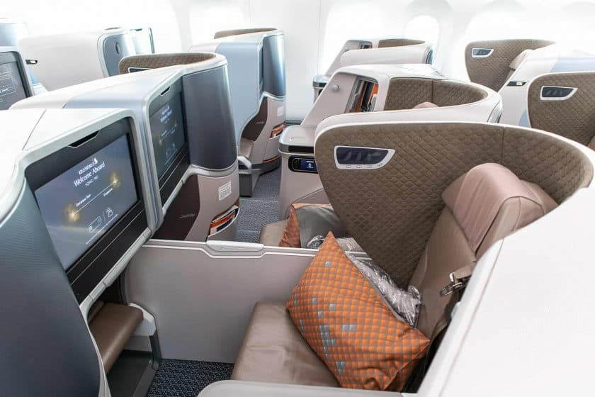 Singapore Airlines Boeing 787 10 Business Class Cabin 2