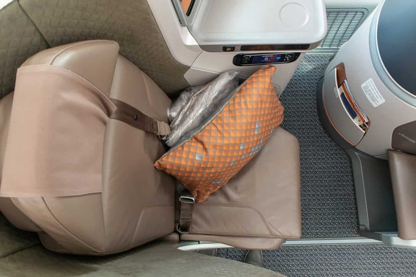 Singapore Airlines Boeing 787 10 Business Class Seat top