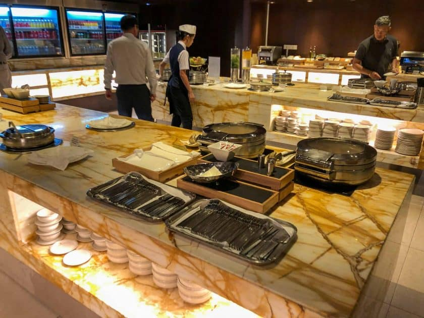 Singapore Airlines SilverKris Lounge Singapur Buffet