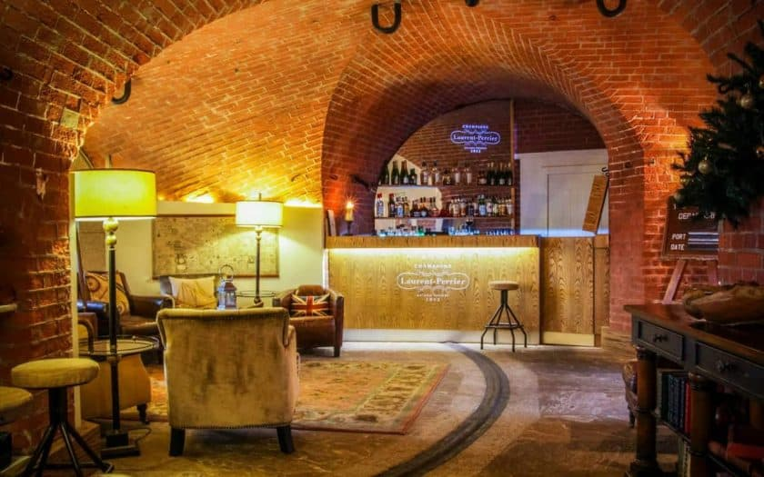 Spitbank Fort Victory Bar