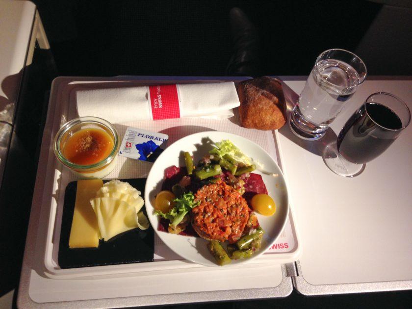 Swiss Boeing 777 Business Class Abendessen