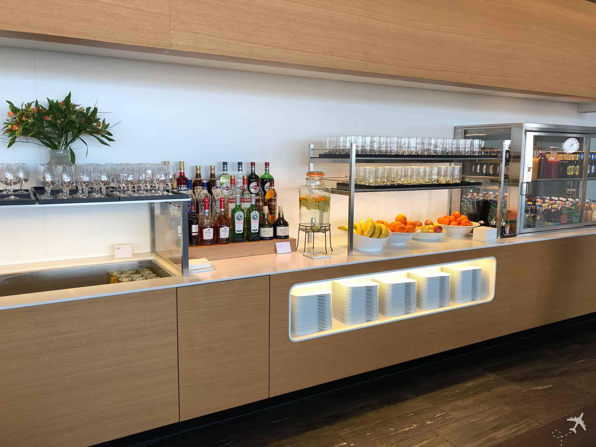 Swiss Business Class Lounge Zuerich Terminal E Bar