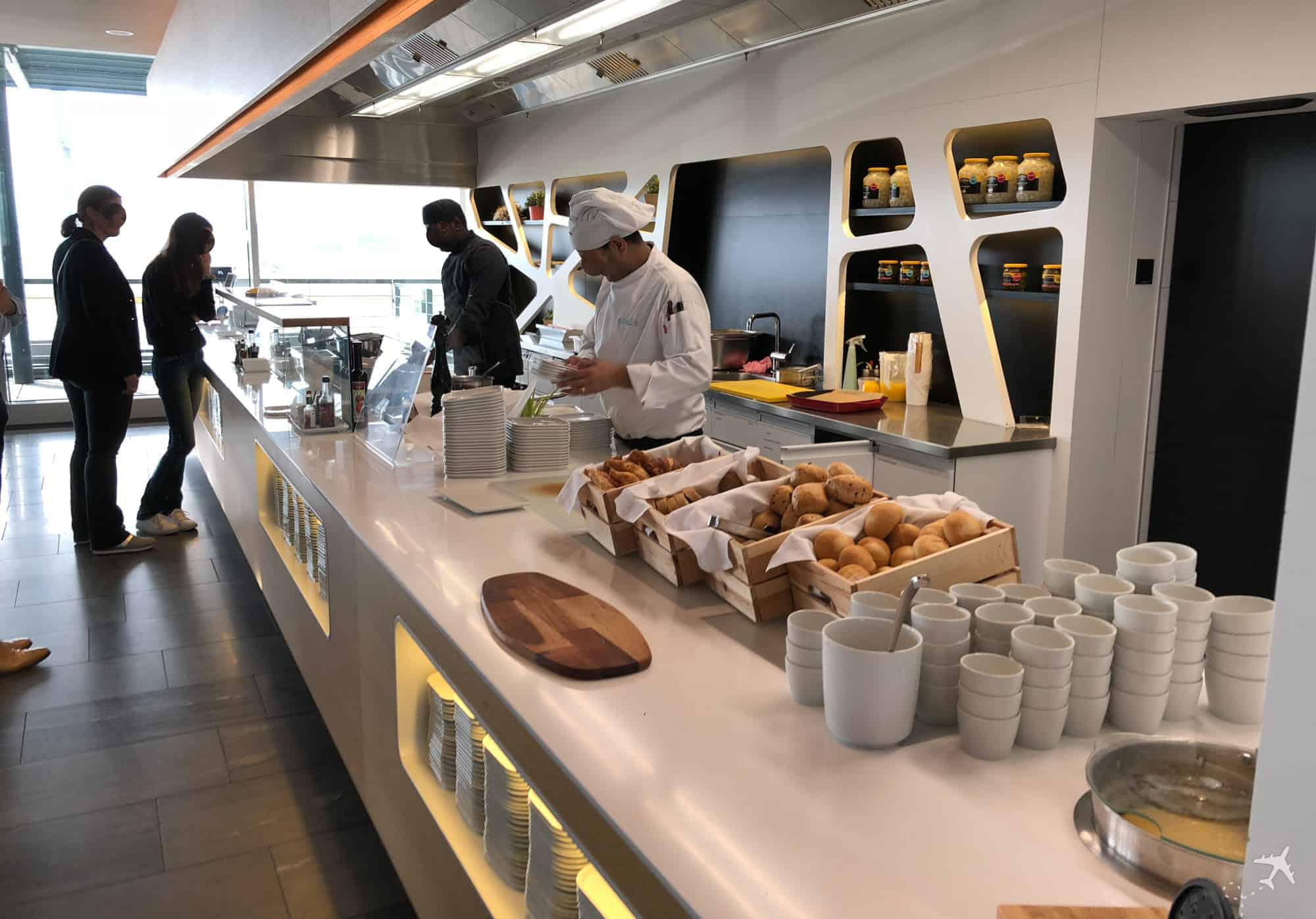 Swiss Business Class Lounge Zuerich Terminal E Live Cooking