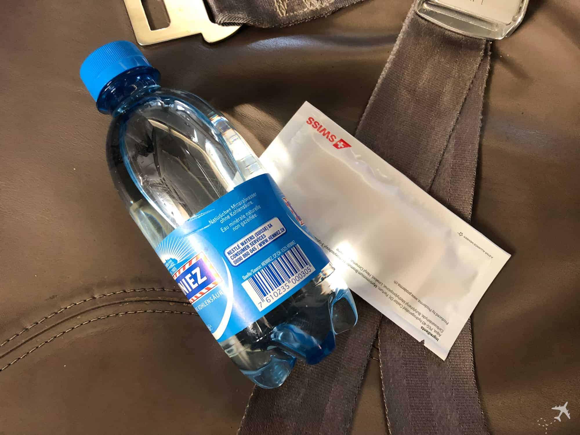Swiss Embrear 175 Business Class Wasser