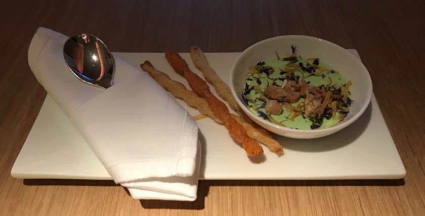 Swiss First Class Review Essen Gruß aus der Küche