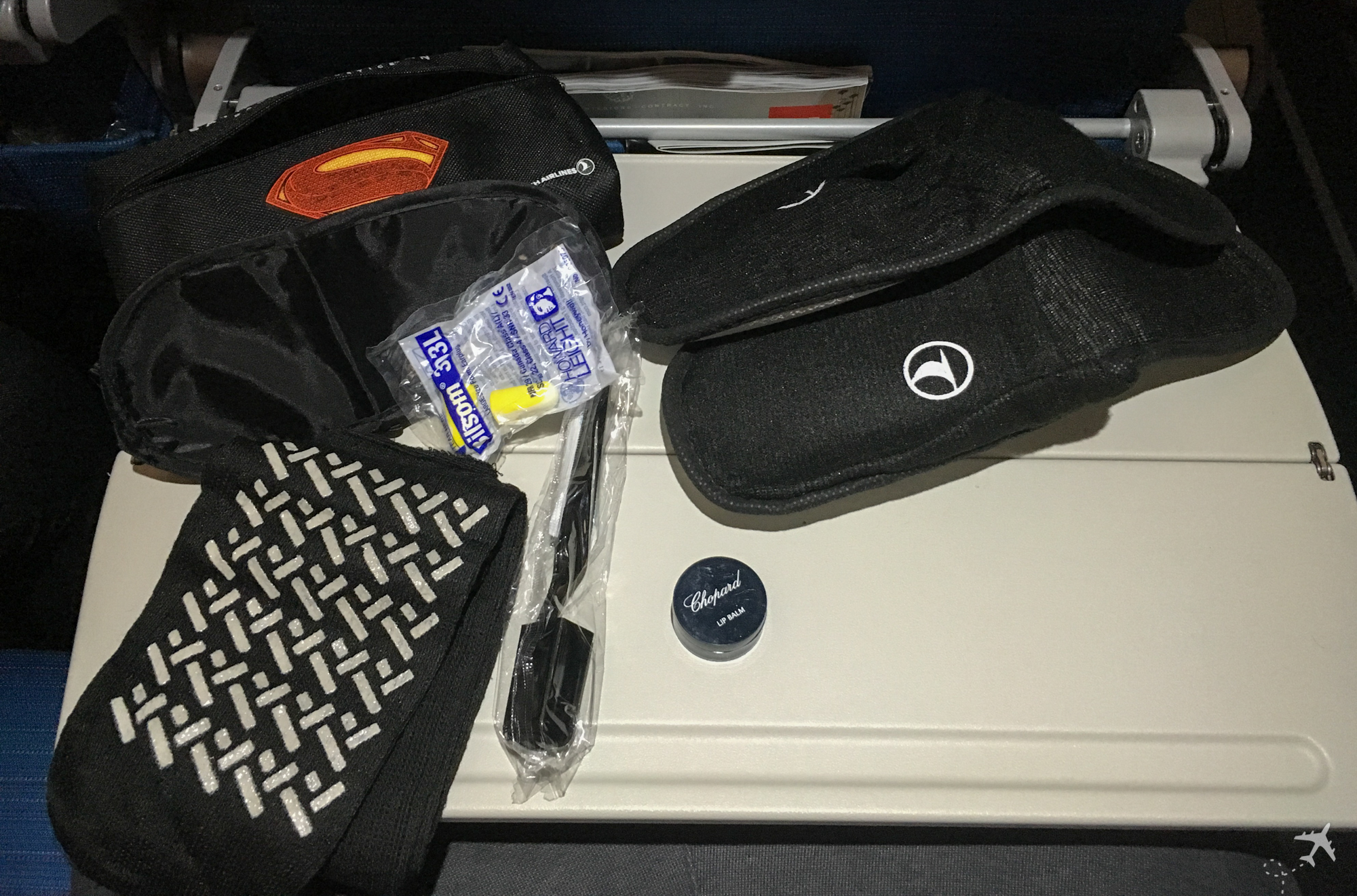 Turkish Airlines Economy Class Amenity Kit Inhalt