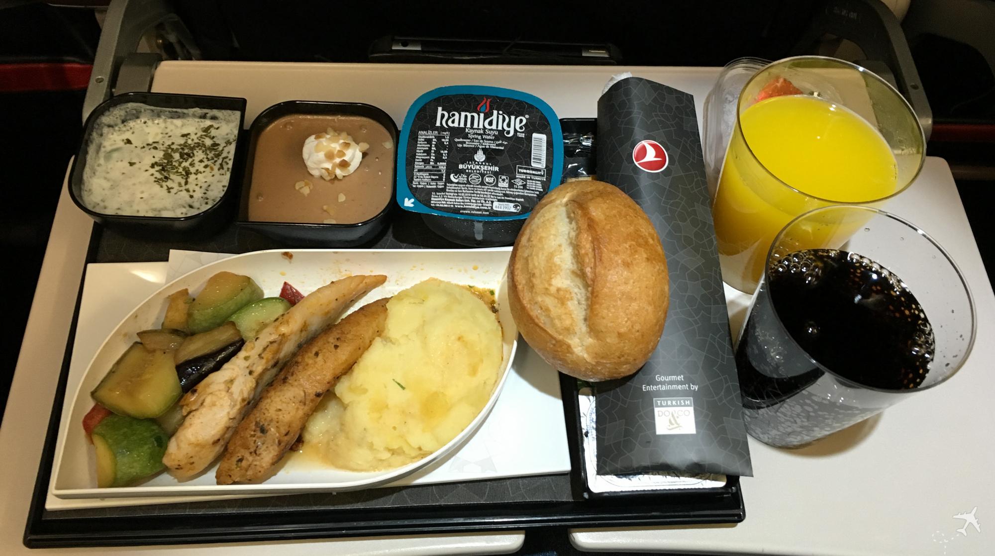 Turkish Airlines Economy Class Essen Mittelstrecke