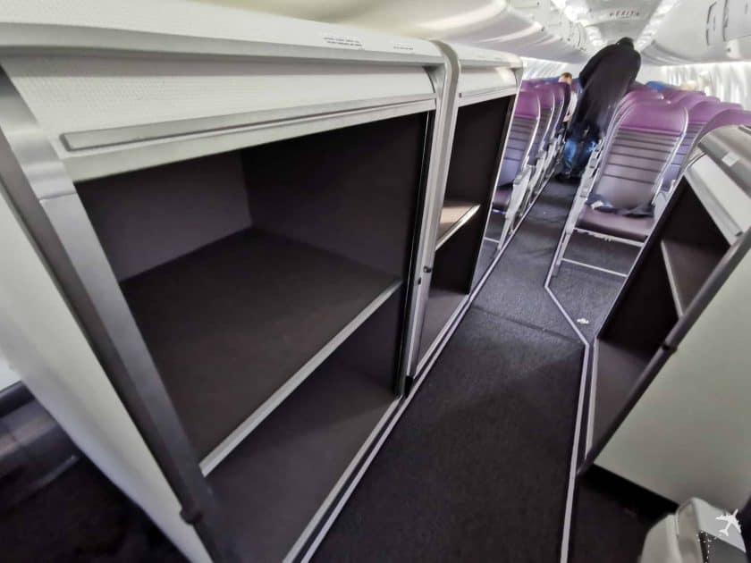 United CRJ550 MSN ORD Gepaeckfaecher