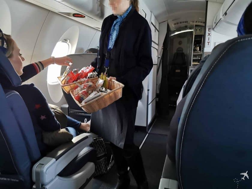United CRJ550 MSN ORD Snack Basket