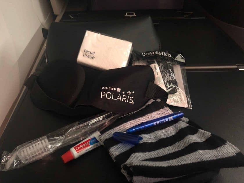 United Polaris Bewertung Amenity Kit geoffnet