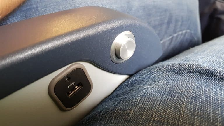 american airlines eco usb