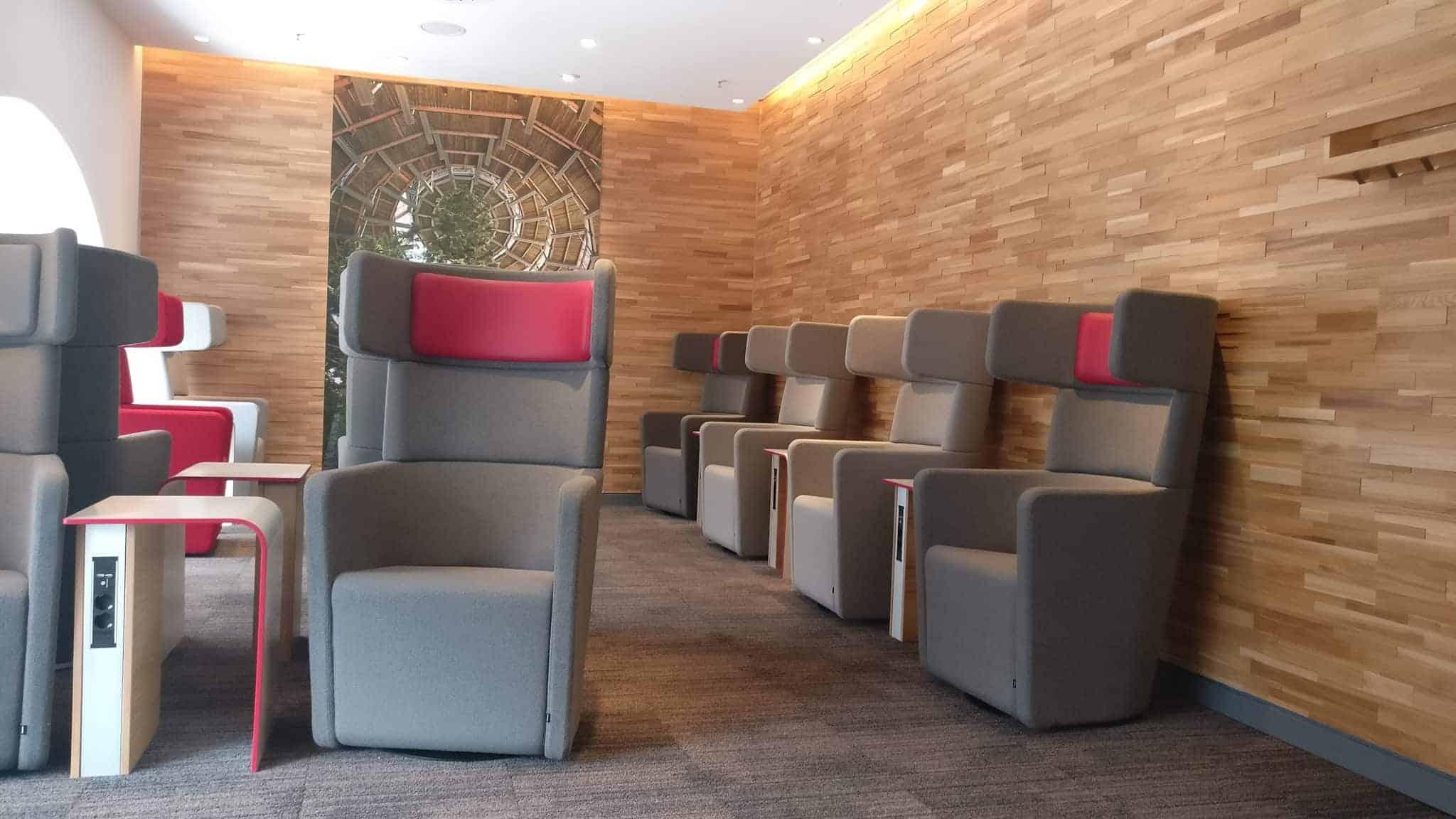 DB Lounge Sitzbereich