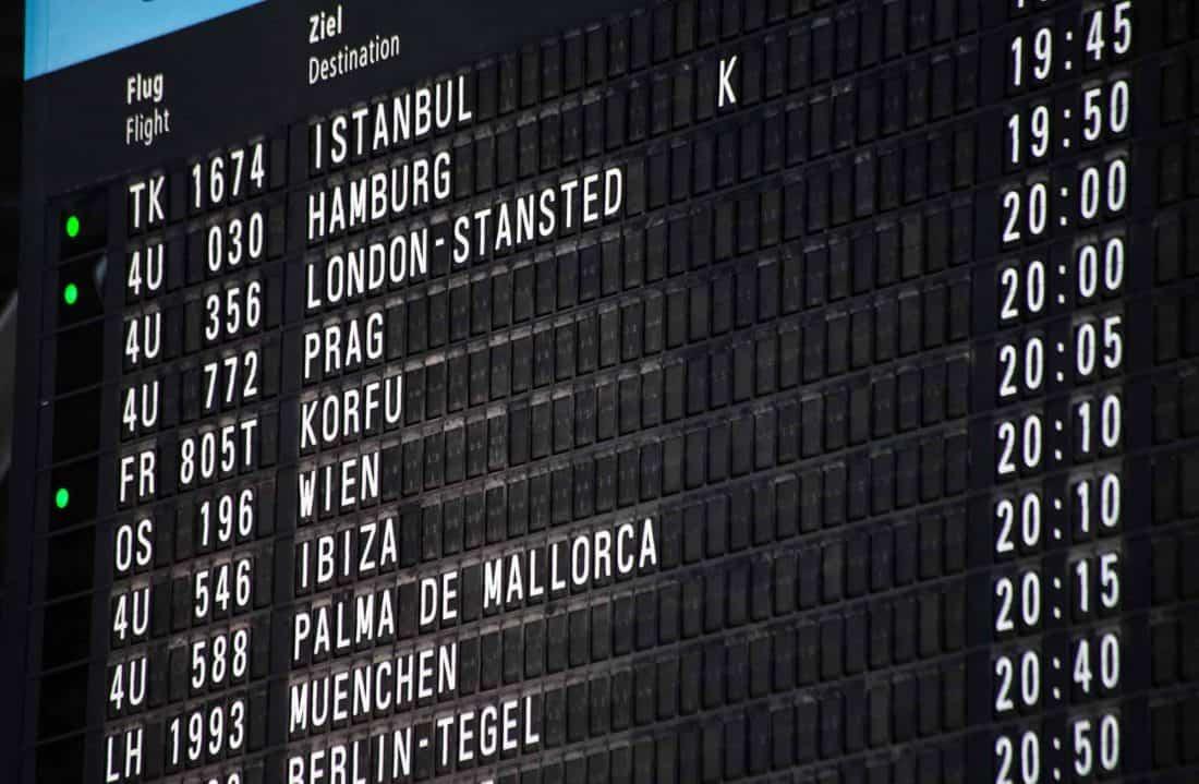 Flugangeigetafel Koeln:Bonn Flughafen