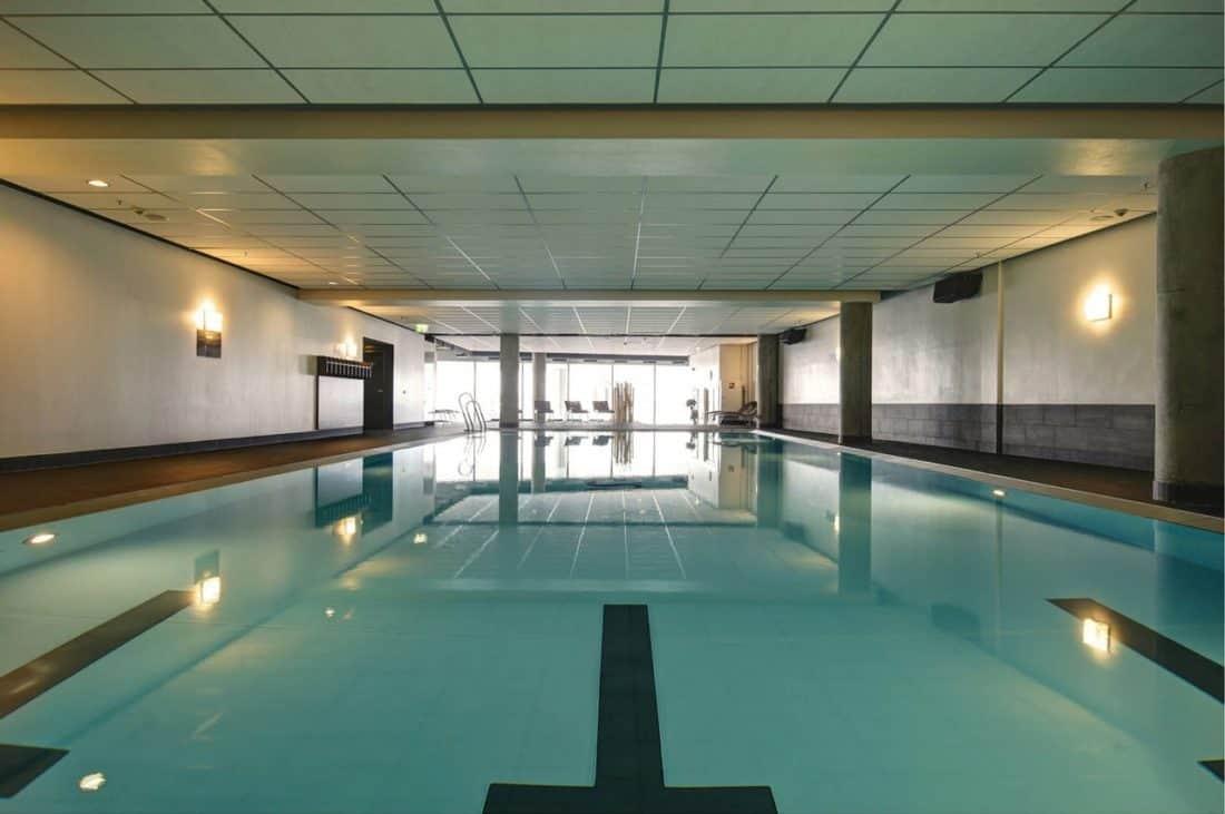 jumeirah frankfurt pool