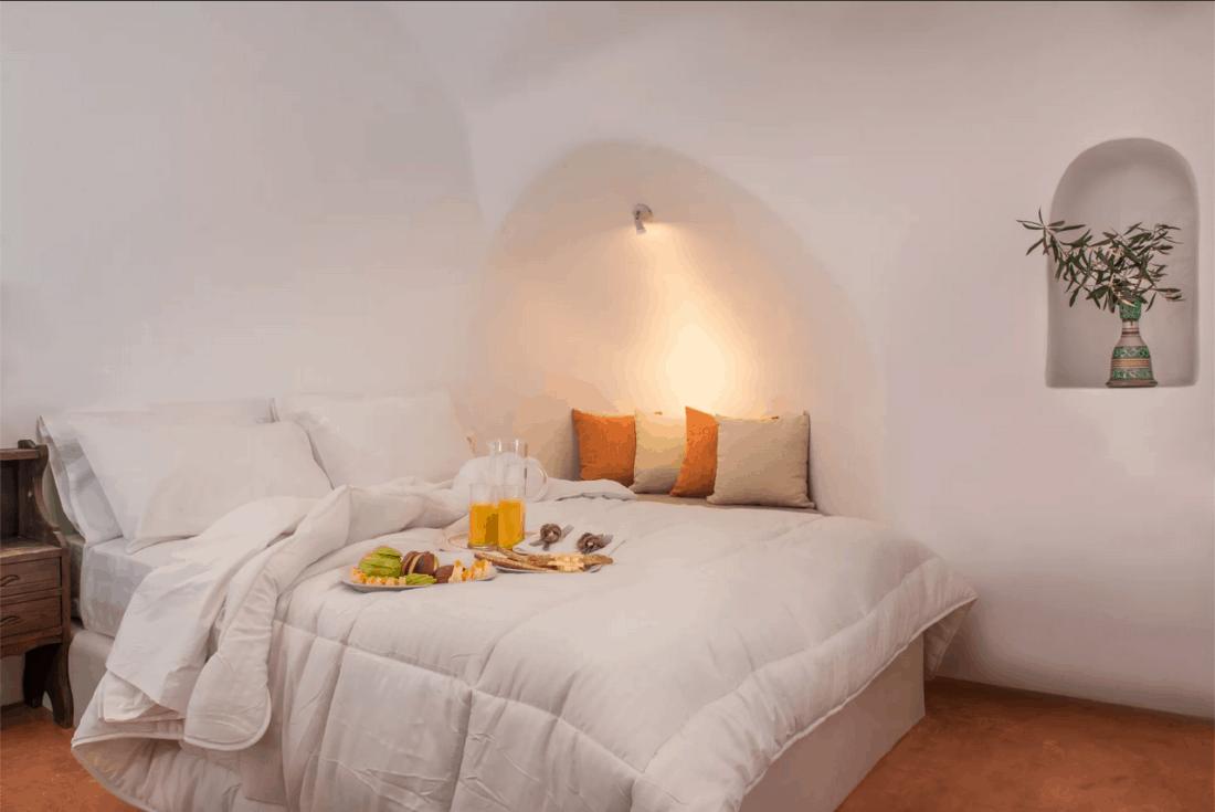 kastro mansion hermes bed