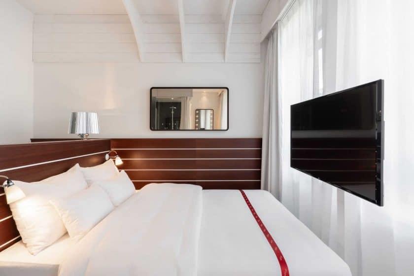 ruby lotti hotel ham 007805017805015bacdc10