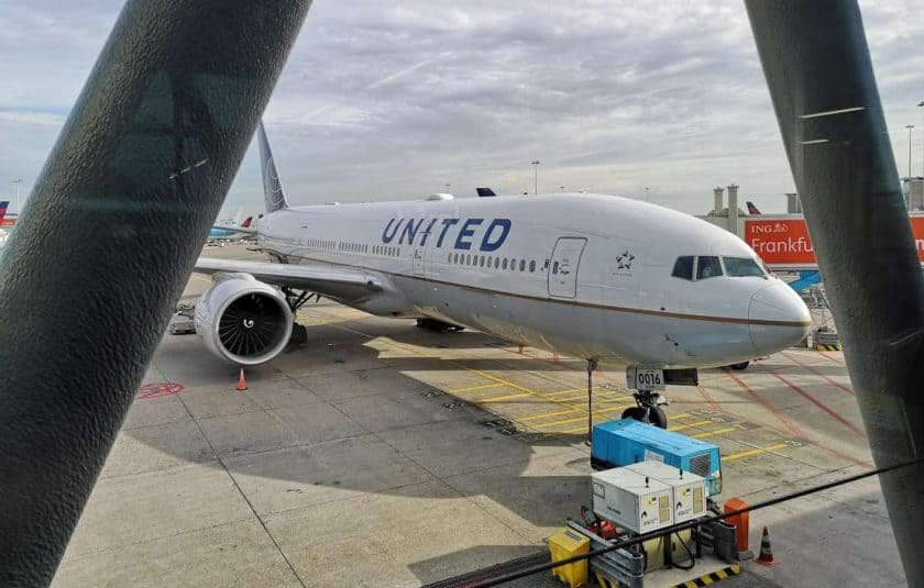 United Boeing 777 AMS